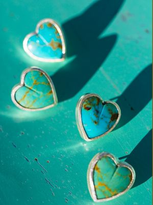 Kingman heart earrings